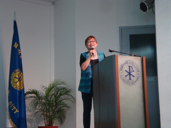 Dr.Honey addressed the audience during the Gerontology talk in Miriam