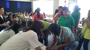 Mothers of Marikina registering for the talk.